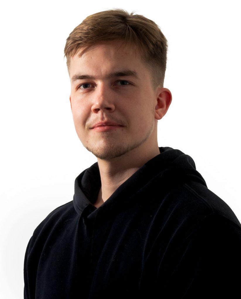 Hemo solutions työntekijä, Helsinkiläinen Niko Nieminen profiilikuva, Niko on kotisivu ja verkkokauppa kehittäjä, koodari sekä myynti vastuullinen.